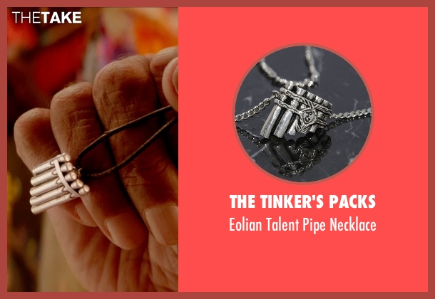 The Tinker's Packs necklace from Pan seen with Levi Miller (Peter Pan)