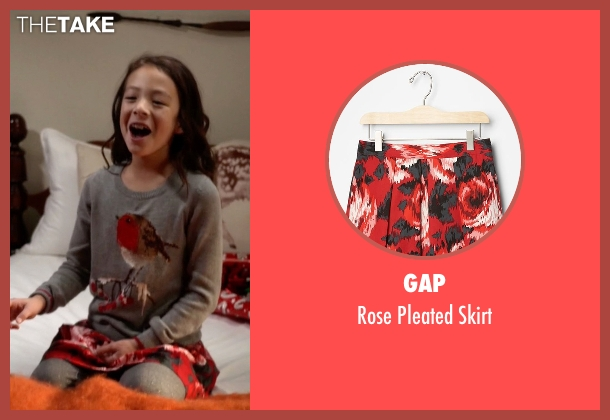 Gap red skirt from Modern Family seen with Lily Tucker-Pritchett (Aubrey Anderson-Emmons)