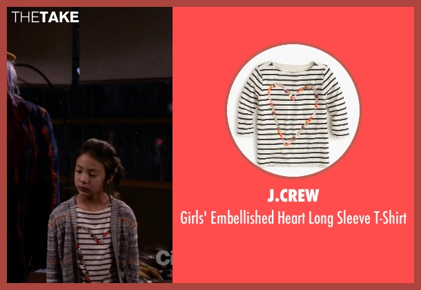 J.Crew white t-shirt from Modern Family seen with Lily Tucker-Pritchett (Aubrey Anderson-Emmons)