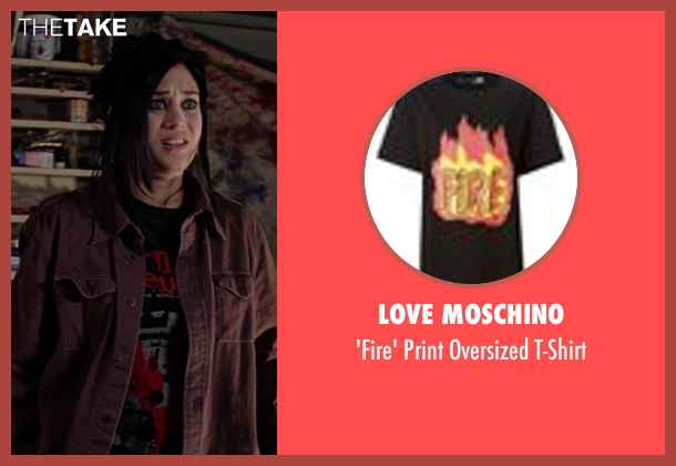 Love Moschino black t-shirt from Mean Girls seen with Lizzy Caplan (Janis Ian)