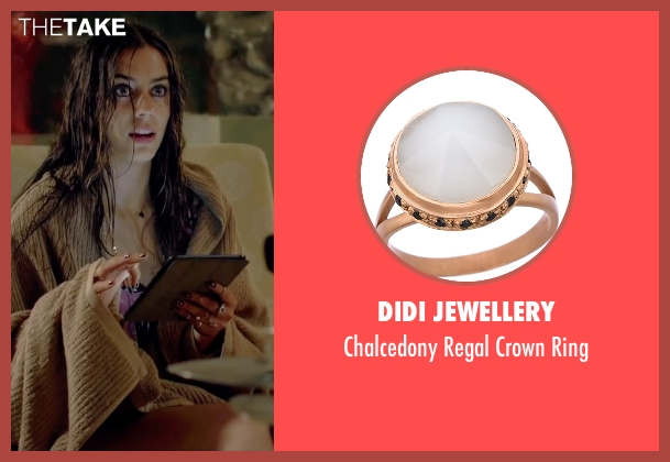 Didi Jewellery gold ring from Knock Knock seen with Lorenza Izzo (Genesis)