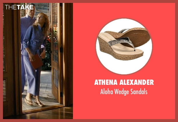 Athena Alexander beige sandals from Couple's Retreat seen with Malin Akerman (Ronnie)