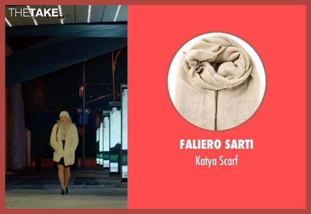 Faliero Sarti beige scarf from Focus seen with Margot Robbie (Jess Barrett)