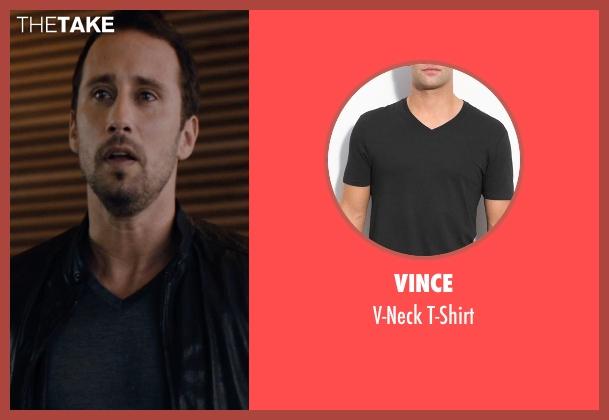 Vince black t-shirt from The Loft seen with Matthias Schoenaerts (Philip Trauner)