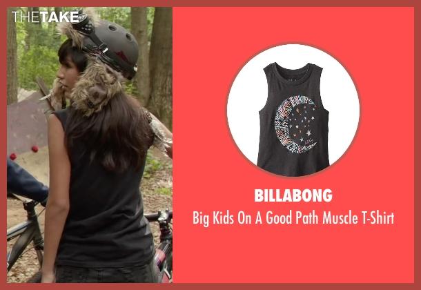 Billabong black t-shirt from Max seen with Mia Xitlali (Carmen)