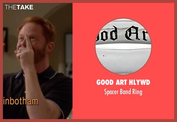 Good Art Hlywd silver ring from Modern Family seen with Mitchell Pritchett (Jesse Tyler Ferguson)