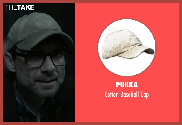 Pukka beige cap from Mr. Robot seen with Mr. Robot (Christian Slater)