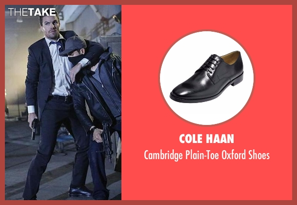Cole Haan black shoes from Arrow seen with Oliver Queen / Green Arrow (Stephen Amell)