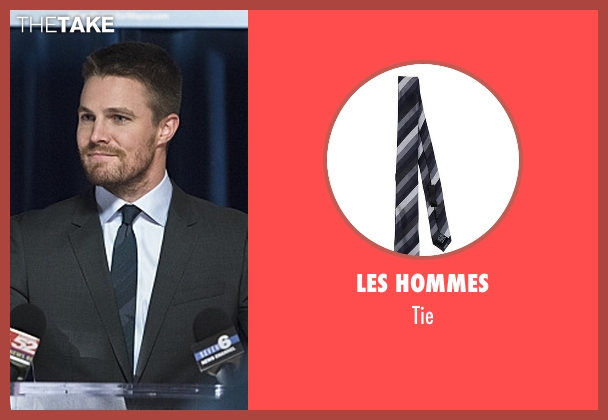 Les Hommes gray tie from Arrow seen with Oliver Queen / Green Arrow (Stephen Amell)