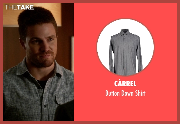 Càrrel gray shirt from The Flash seen with Oliver Queen / Green Arrow (Stephen Amell)