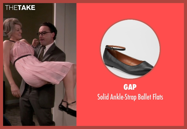 Gap black flats from The Big Bang Theory seen with Penny (Kaley Cuoco-Sweeting)