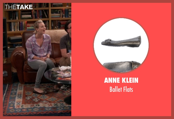 Anne Klein gray flats from The Big Bang Theory seen with Penny (Kaley Cuoco-Sweeting)