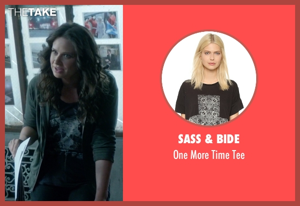 Sass & Bide black tee from Scandal seen with Quinn Perkins (Katie Lowes)