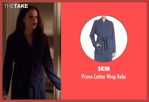 Skin blue robe from Suits seen with Rachel Zane (Meghan Markle)