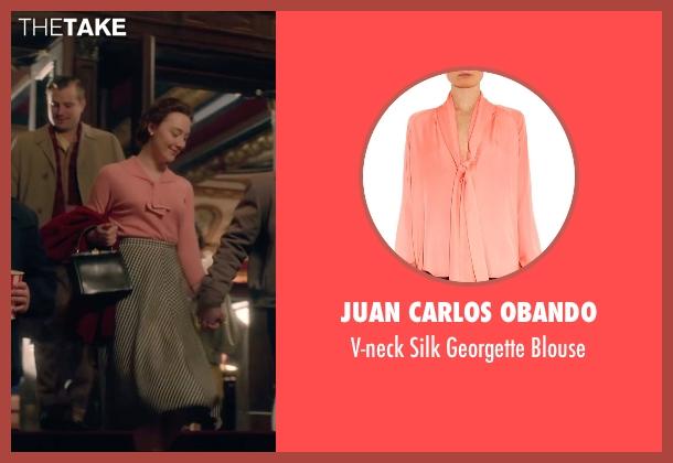 Juan Carlos Obando pink blouse from Brooklyn seen with Saoirse Ronan (Eilis)