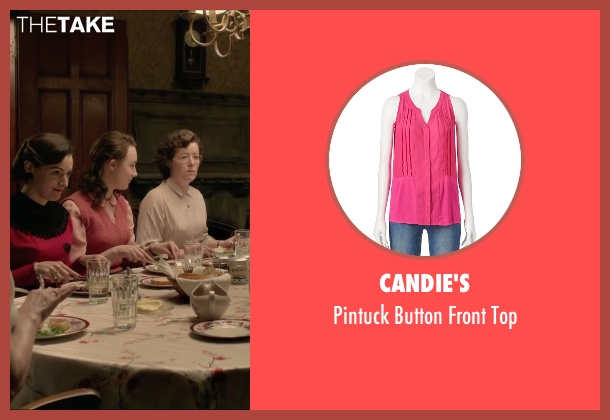 Candie's pink top from Brooklyn seen with Saoirse Ronan (Eilis)