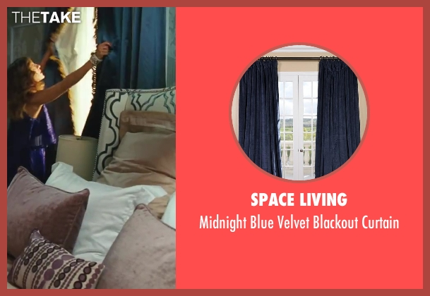 Space Living curtain from Sex and the City 2 seen with Sarah Jessica Parker (Carrie Bradshaw)