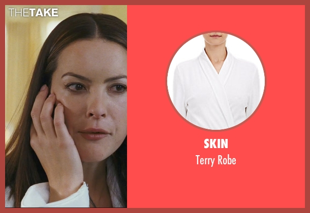 Skin white robe from The Hangover seen with Sasha Barrese (Tracy)