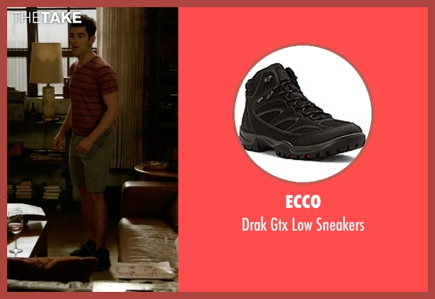 Ecco black sneakers from New Girl seen with Schmidt (Max Greenfield)