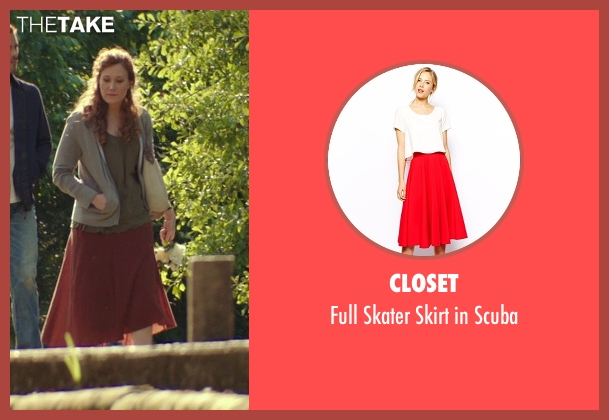 Closet red scuba from The Best of Me seen with Schuyler Fisk (April)