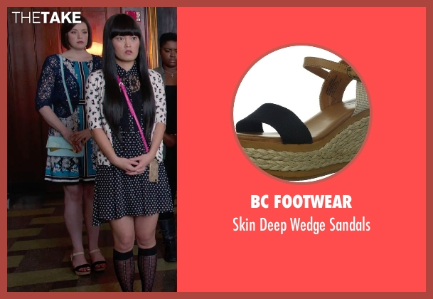 BC Footwear black sandals from Pitch Perfect 2 seen with Shelley Regner (Ashley)