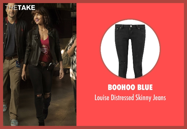 Boohoo Blue black jeans from Roadies seen with Shelli (Carla Gugino)