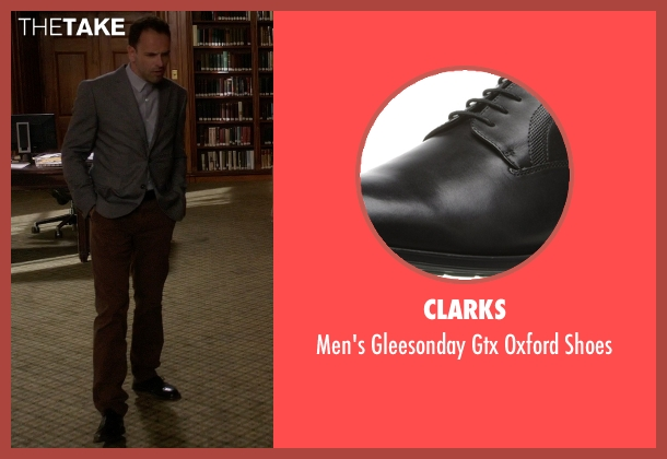 Clarks black shoes from Elementary seen with Sherlock Holmes (Jonny Lee Miller)