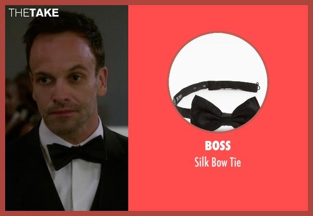 Boss black tie from Elementary seen with Sherlock Holmes (Jonny Lee Miller)