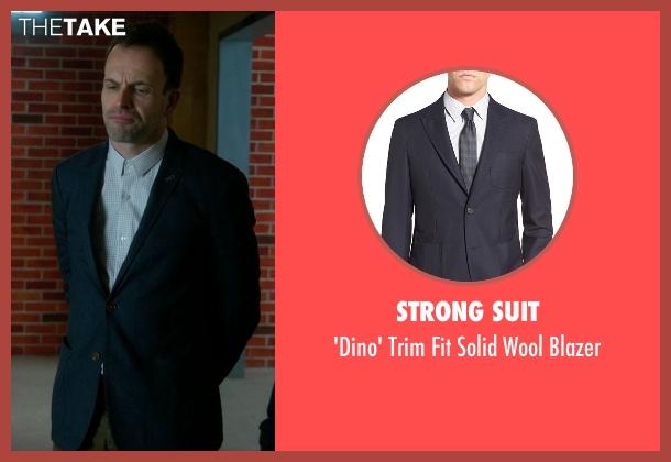Strong Suit blue blazer from Elementary seen with Sherlock Holmes (Jonny Lee Miller)