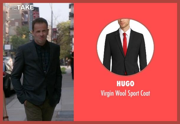 Hugo gray coat from Elementary seen with Sherlock Holmes (Jonny Lee Miller)