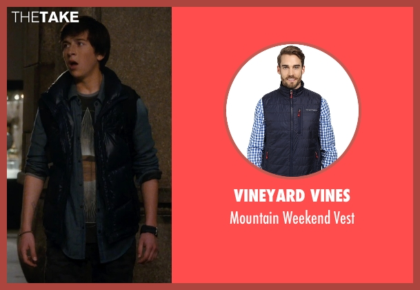 Vineyard Vines blue vest from Night at the Museum: Secret of the Tomb seen with Skyler Gisondo (Nick Daley)
