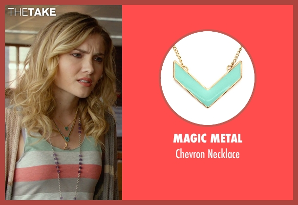 Magic Metal blue necklace from The DUFF seen with Skyler Samuels (Jess)