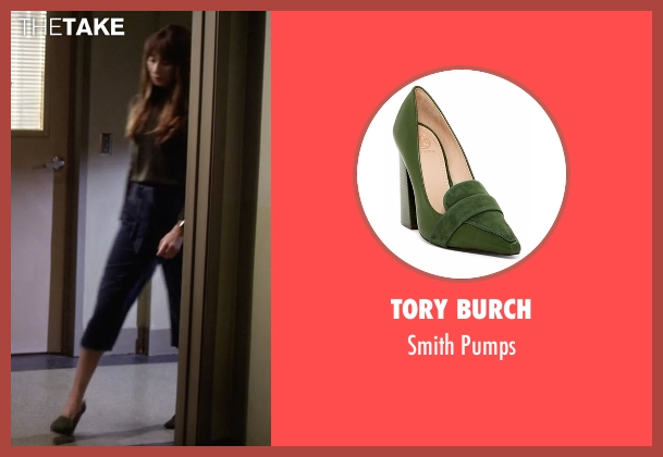 Tory Burch green pumps from Pretty Little Liars seen with Spencer Hastings  (Troian Bellisario)