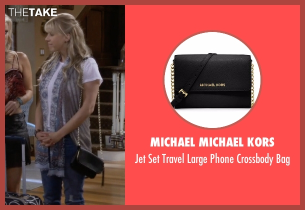 Michael Michael Kors black bag from Fuller House seen with Stephanie Tanner (Jodie Sweetin)