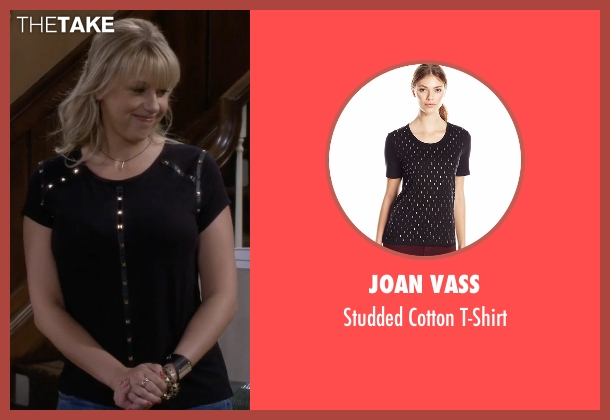 Joan Vass black t-shirt from Fuller House seen with Stephanie Tanner (Jodie Sweetin)