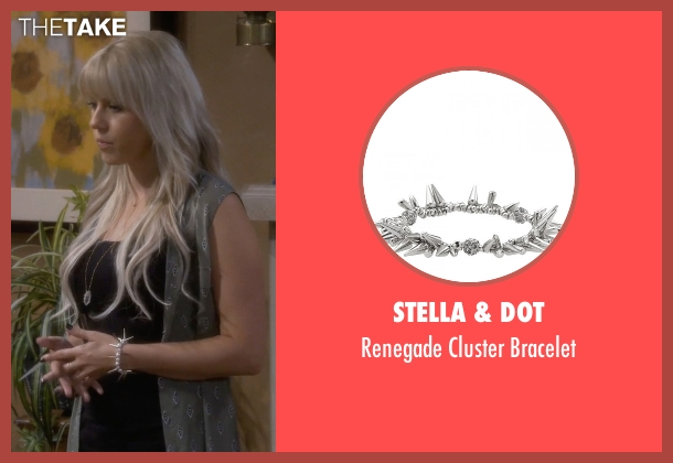 Stella & Dot silver bracelet from Fuller House seen with Stephanie Tanner (Jodie Sweetin)