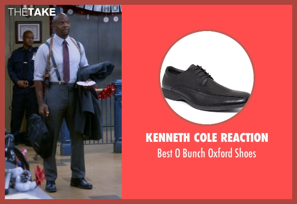 Kenneth Cole Reaction black shoes from Brooklyn Nine-Nine seen with Terry Jeffords  (Terry Crews)