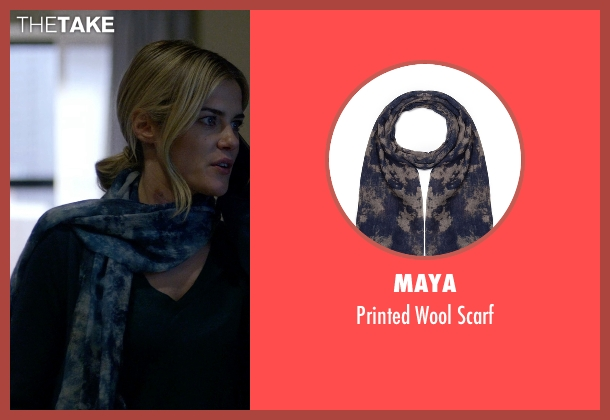 Maya blue scarf from Jessica Jones seen with Trish Walker (Rachael Taylor)