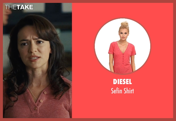 Diesel red shirt from McFarland, USA seen with Vanessa Martinez (Maria Marisol)