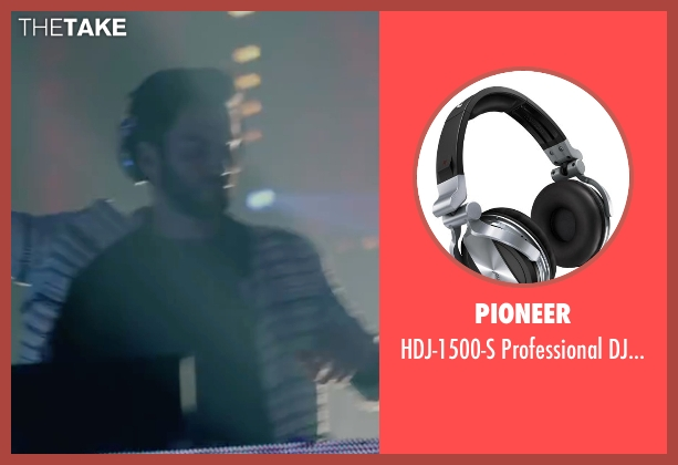 Pioneer headphones from We Are Your Friends seen with Wes Bentley (James)