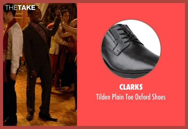 Clarks black shoes from New Girl seen with Winston Bishop (Lamorne Morris)