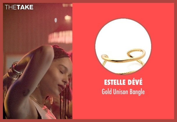 Estelle Dévé gold bangle from Dope seen with Zoë Kravitz (Nakia)