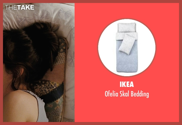 Ikea white bedding from (500) Days of Summer seen with Zooey Deschanel (Summer)