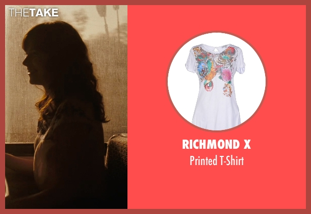 Richmond X white t-shirt from (500) Days of Summer seen with Zooey Deschanel (Summer)