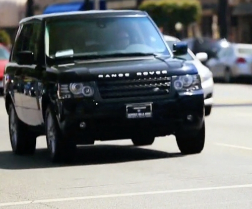 Kylie Jenner with Land Rover Range Rover SUV in Keeping Up With The Kardashians
