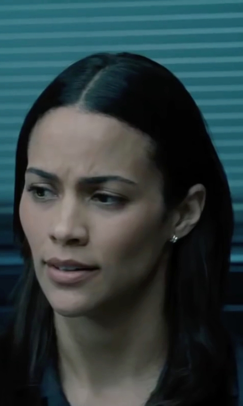 Paula Patton with Lord & Taylor Yellow and White Gold Polished Hoop Earrings in Mission: Impossible - Ghost Protocol