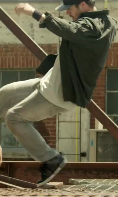 Unknown Actor with JAMES PERSE CREW NECK COTTON-JERSEY T-SHIRT in Brick Mansions