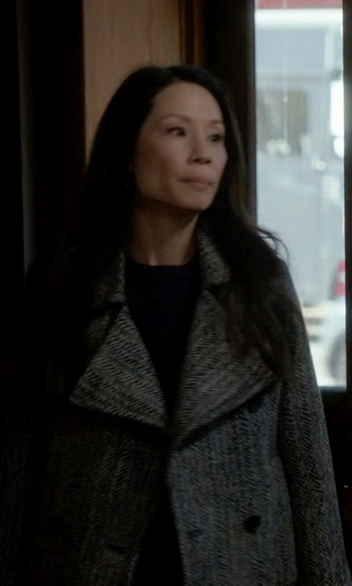 Lucy Liu with Twin-Set Simona Barbieri Double-Breasted Coat in Elementary
