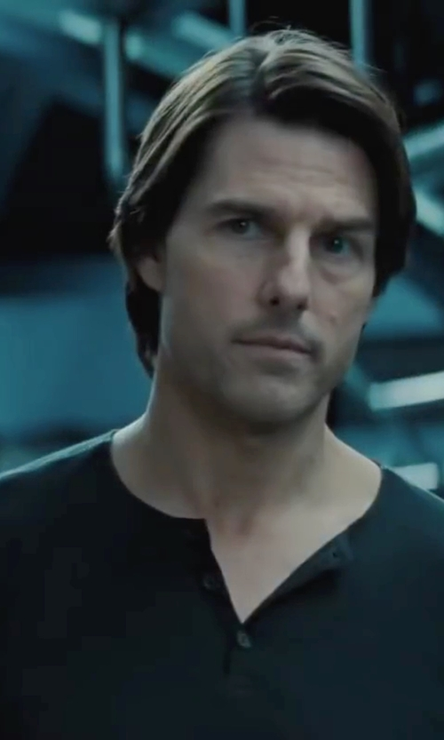 Tom Cruise with ATM Anthony Thomas Melillo Raw-Edge Raglan T-Shirt in Mission: Impossible - Ghost Protocol