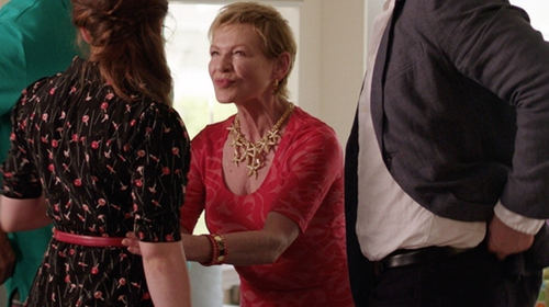 Dianne Wiest with Wolford Nahla Shirt in Sisters